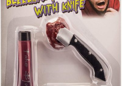 Halloween Schminke Blutiges Messer im Kopf – Spezial-Effekt inkl. Latexmilch, Kunstblut und Fake Messer Applikation - Horror Makeup2